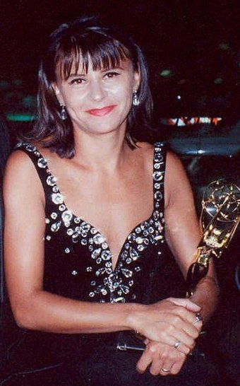 Tracey Ullman at the 1990 Emmy Awards Tracey Ullman 1990.jpg