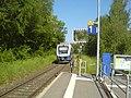 Train leaving Coppenbruegge towards Hamelin (geo.hlipp.de 130064).jpg