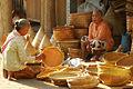 Transaksi kerajinan bambu.jpg