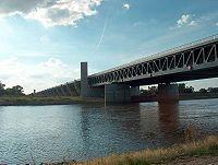 Trogbrücke Magdeburg.jpg