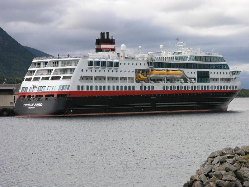 File:Trollfjord.JPG