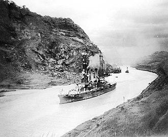 USS Missouri (BB-11) - Missouri traversing the Panama Canal on July 16, 1915