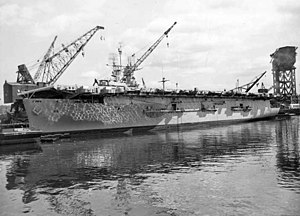 USS Takanis Bay (CVE-89) during inactivation at the Puget Sound Naval Shipyard, 23 May 1946 (871-46).jpg