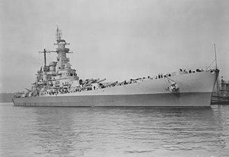 USS Washington (BB-56) - USS Washington anchored at the Puget Sound Navy Yard