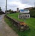 Ugna (Savigna) - Entrée hameau.jpg