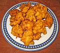 Un piatto di frittelle fatte in casa.jpg