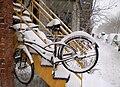 Vélo dans la neige Plateau Mont Royal.jpg