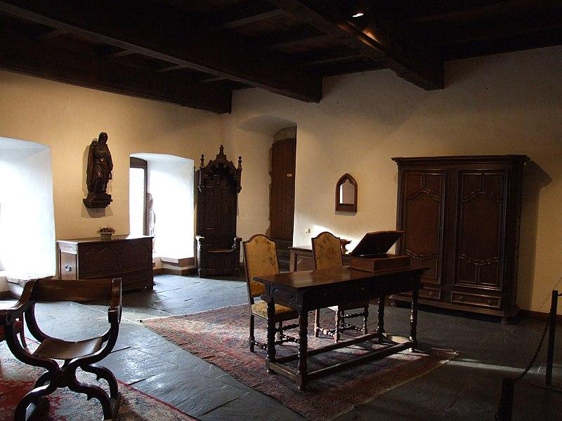 File:Vianden Castle - 10.jpg