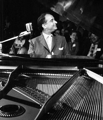 Victor Borge - Borge performing before an audience in 1957