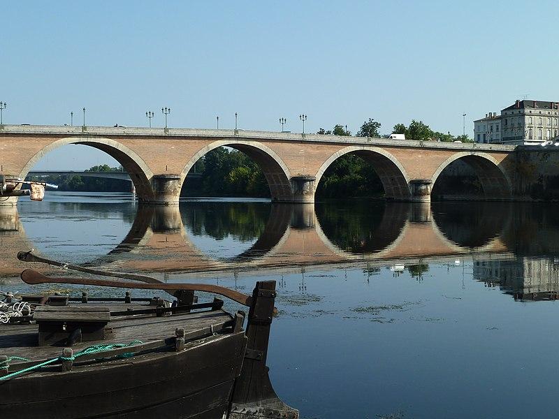 Pont sur la dordogne à Bergerac