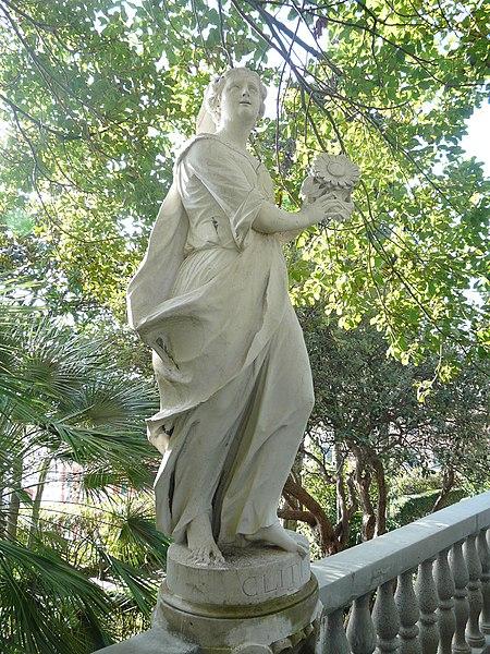 File:Villa Durazzo Centurione-statua Clizia.jpg
