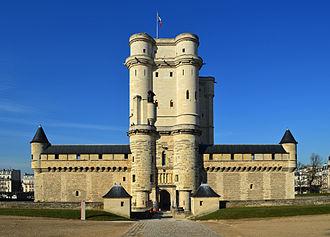Val-de-Marne - Image: Vincennes Chateau 02