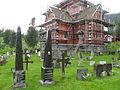 Vinje kirke, kirkegården med kirken.jpg