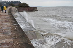 Waves breaking on the sea wall at Teignmouth (0145).jpg