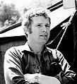 Wayne Rogers Alan Alda MASH 1972 (cropped).JPG