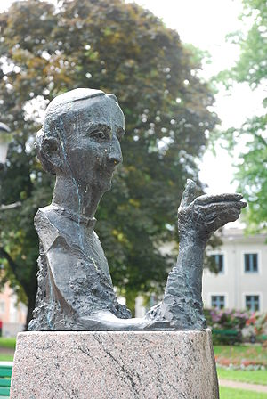 Birgit Cullberg - Portrait of Birgit Cullberg by Willy Gordon, outside the Theatre in Nyköping, Sweden
