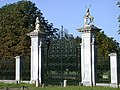 Wimpole Hall gates - geograph.org.uk - 897240.jpg