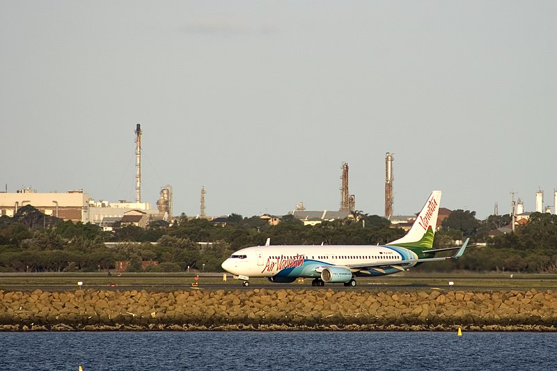 File:YJ-AV1 at Sydney Airport.jpg