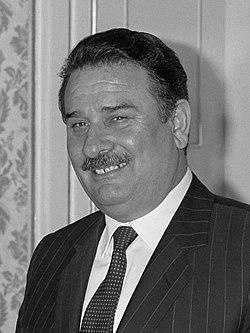 Yildirim Akbulut (1988).jpg