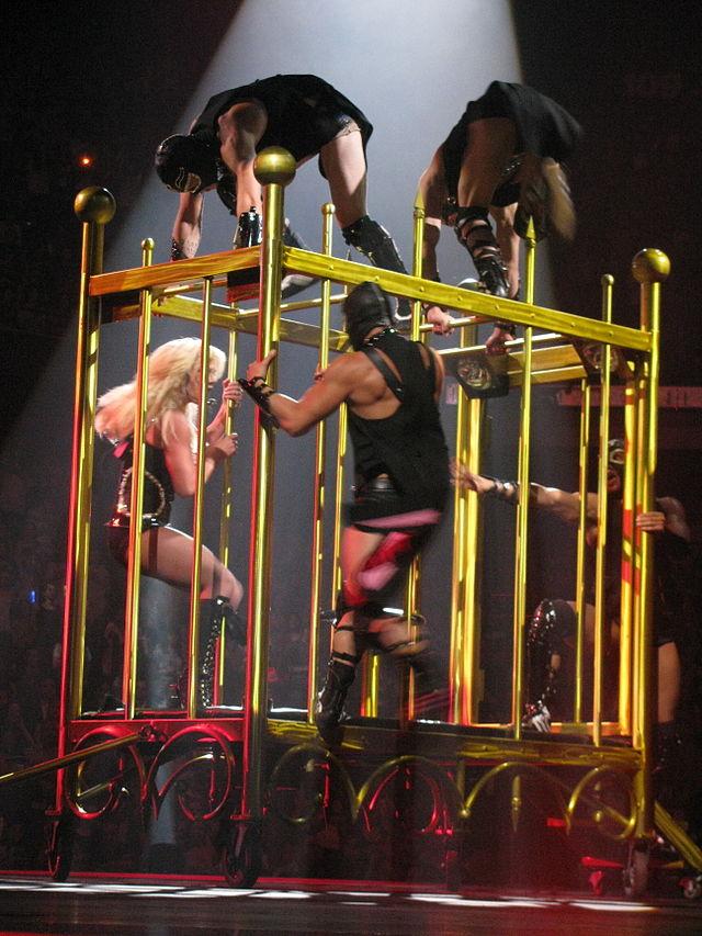 Resultado de imagen de britney in cage