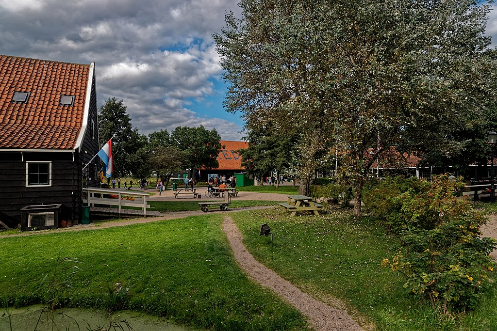 Zaandijk - Zaanse Schans - Kraaienpad - View North