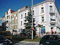 Zabytkowy hotel Bristol (wraz z budynkiem restauracji) w Tarnowie, ul. Nowy Świat 3 9 po lewej pavw.JPG