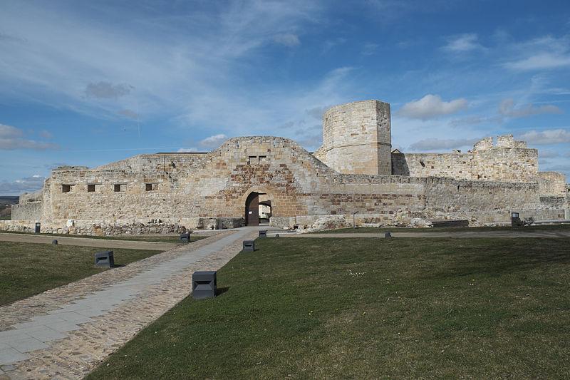 File:Zamora Castillo 720.jpg