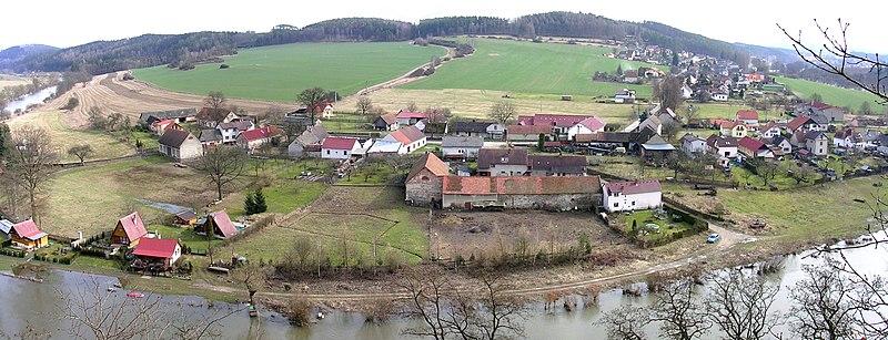 Soubor:Zbořený Kostelec, severovýchodní konec vesnice (01)-Zbořený Kostelec, vesnice (01).jpg