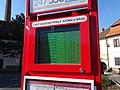 Zbraslavské náměstí, odjezdy na elektronickém papíru (01).jpg