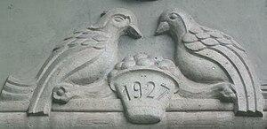Basel Zoo - Bird House entrance logo