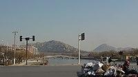 Zoucheng - Yishan Rd - bridge - looking east - P1050861.JPG