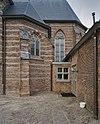 zuidgevel, detail- tussenruimte bij het koor en de sacristie. glasraam koor - rosmalen - 20337140 - rce