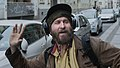 """DON'T WORRY - BE HAPPY"" Streetlife in DRESDEN- NEUSTADT (15480443851).jpg"