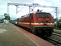 (22214) WAP-4 Loco with Goutami Express (empty rakes) at Lingampalli 08.jpg