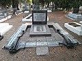 Братська могила моряків-чорноморців тральщика № 27.JPG