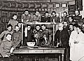 Павлов И.П. Каф.физиологии Воен.-мед.акад. после дем.лекц.эксперимента.1912г(pavlovs museum).jpg