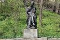 Пам'ятник П.І. Чайковському Кам'янка весна.jpg