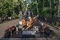 Памятник Алексею Баталову на Преображенском кладбище Москвы.jpg