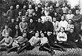 Якуб Колас і Змітрок Бядуля сярод студэнтаў рабфака БДУ. 1922 г..jpg