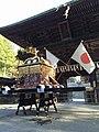 仙台東照宮随身門と神輿.jpg
