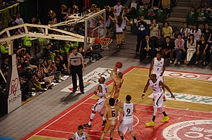 Richard Roby - Roby scoring at bj league finals