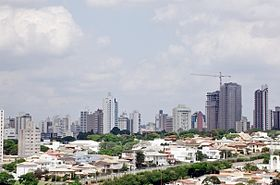 Vista de Jundiaí, tendo como primeiro plano a região oeste.