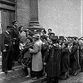 05.06.61 Procès Tournerie des Drogueurs. La foule aux Assises (1961) - 53Fi916.jpg