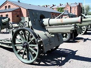 Canon de 155 C modèle 1917 Schneider - Canon de 155 C mle 1917, displayed in Hämeenlinna Artillery Museum.