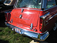 1955 Chrysler Windsor Town and Country Deluxe (8106398569).jpg