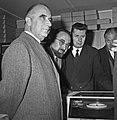 1963 Visite de Mrs Georges Pompidou et Edgard Pisani au CNRZ-19-cliche Jean Joseph Weber.jpg