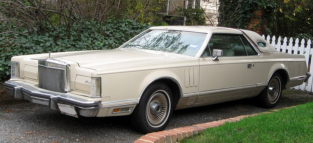 1024px-1979_Continental_Mark_V_Cartier_D