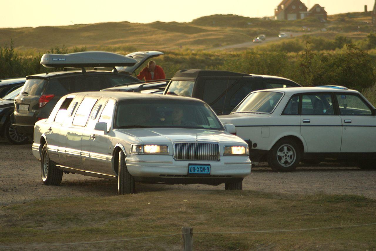 Lincoln Town Car Wikipedia 3450953 Pacte Contre Hulot Info