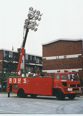 SsangYong Motor - Image: 2000년대 초반 서울소방 소방공무원(소방관) 활동 사진 조명차