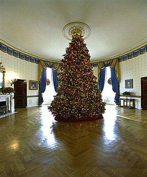 White House Christmas tree - The 2002 Blue Room Christmas tree.